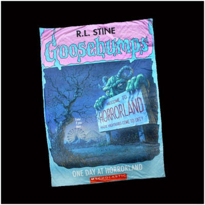 Creepy Co. Goosebumps Horrorland Blanket